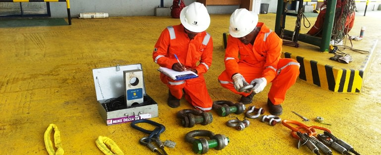 Inspection of Lifting Shackles by Two Officials of JC International